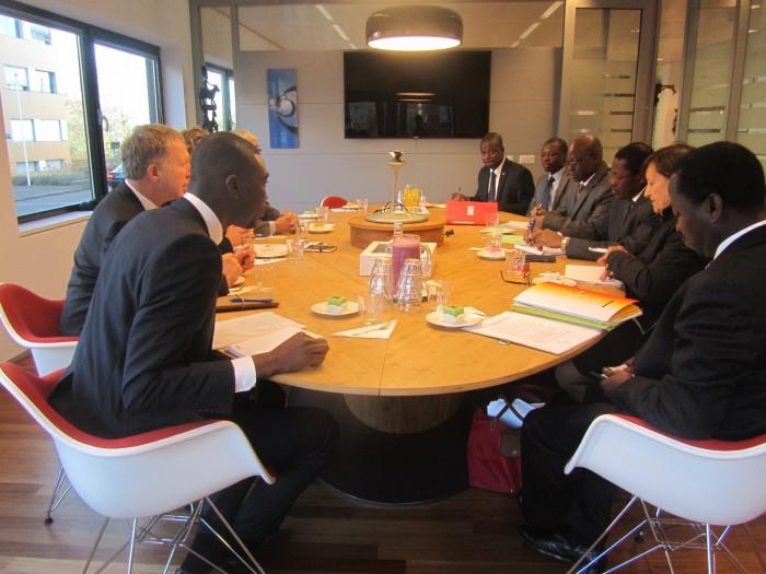 Séance de travail su siège de la Banque néerlandaise de développement (FMO)